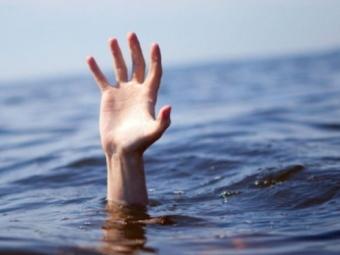 На волинському озері втопився чоловік