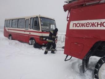 На Волині рятувальники витягнули 42 транспортних засоби за день