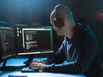 Поліцейську на Волині підозрюють у торгівлі інформацією