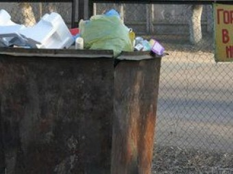 В Івано-Франківську у сміттєвому баку знайшли немовля