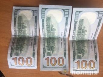 Волинянин, підозрюваний у шахрайстві, за 300 доларів хотів відкупитися від поліцейського