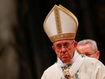 Папу Римського шпиталізували і готують до операції