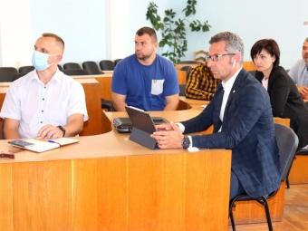 У міській раді Володимира провели презентацію електронної системи безготівкової оплати у громадському транспорті