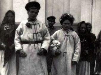 Опублікували фото молодят з Володимира 1917 року