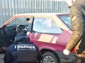 У Нововолинську затримали 3 викрадачів авто