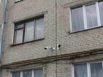 У Володимирі у дворі ОСББ встановил камери відеоспостереження