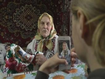 Українська бабуся стала зіркою ТікТоку та збирає мільйони переглядів