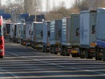 На кордоні з Польщею стоять чимало автівок