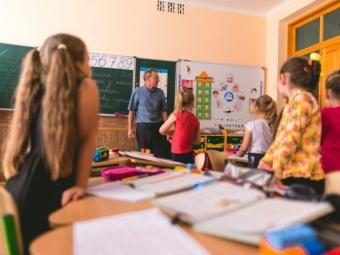 Після канікул школярі Володимир-Волинської громади повернуться за парти