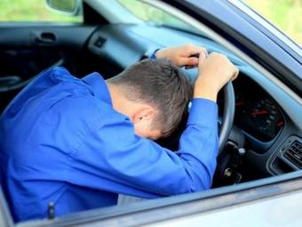 Чоловік, який їздив містом «під кайфом», позбувся водійських прав та заплатить штраф
