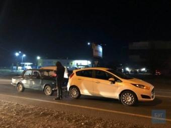 У Нововолинську п'яний водій ВАЗ врізався у Форд