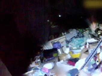 Жінку привалило сміттям у її власній квартирі