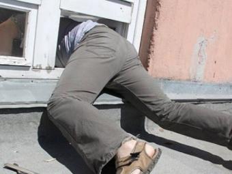 У Володимир-Волинському районі зловмисник викрав із розважального закладу алкоголю майже на 20 тисяч гривень