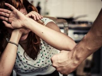 Володимир-Волинський суд оштрафував чоловіка, який ображав та виганяв з будинку дружину