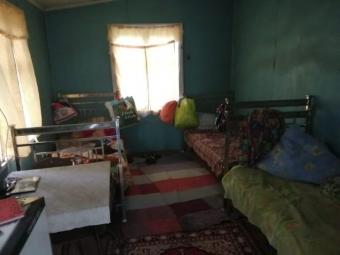 На Київщині двоє дітей провалилися у вбиральні до вигрібної ями