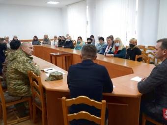 У Володимирі відбулась зустріч міського голови з родинами загиблих військовослужбовців