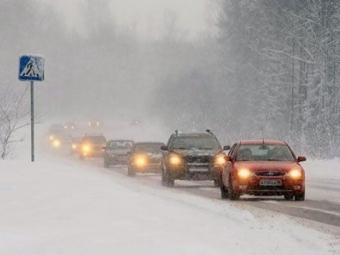Через негоду вантажівкам заборонили рух на деяких трасах Волині