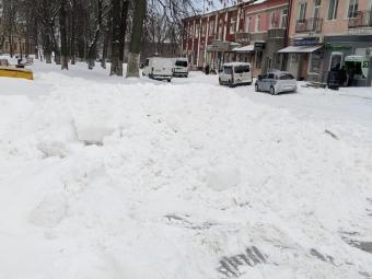 У Володимирі 7 одиниць техніки всю ніч розчищали дороги та тротуари