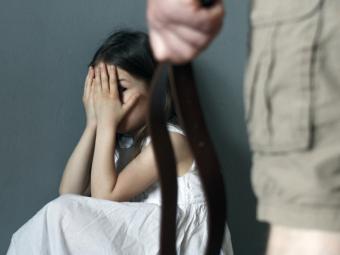 Судили жителя Замостів, який облаяв та штовхнув свою неповнолітню дочку