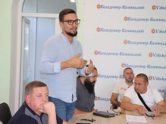У Володимирі обговорили питання будівництва готелю хасидів на Драгоманова та сформували комісію за участю громадськості
