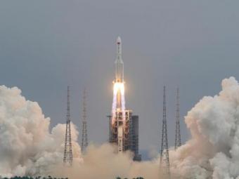 Неконтрольована китайська ракета має впасти 9 травня, й досі невідомо де