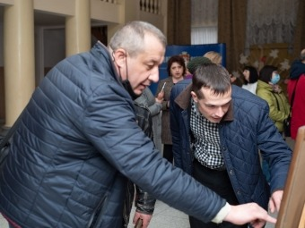 У Володимир-Волинському КМЦ відкрилась виставка рівенських художників