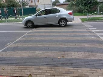 У Володимирі замінили пошкоджені «лежачі поліцейські»