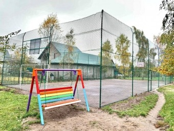 У Володимирі-Волинському завершують реконструкцію універсального спортивно-ігрового майданчика