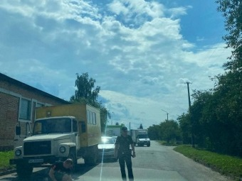 У Володимирі вантажівка в'їхала у легковик