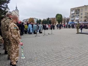 У Володимирі-Волинському відбулись урочиста хода і покладання квітів з нагоди 14 жовтня