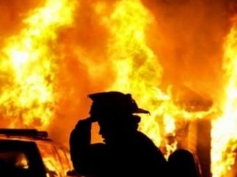 У Губині сусіди врятували чоловіка від смерті у палаючому будинку
