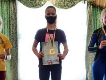 Дівчина з Володимира стала переможницею Чемпіонату України з гірськолижного спорту