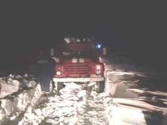 Володимир-Волинські рятувальники витягнули зі снігу два авто за минулу добу, у Нововолинську – 23 за тиждень