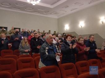 У Володимирі презентували військову драму «Мати Апостолів»