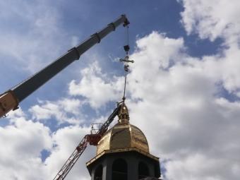 У Володимирі на храм святого Пантелеймона встановили купол