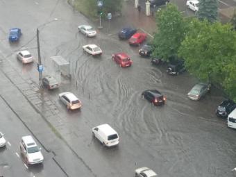Сильна нічна злива затопила Одесу