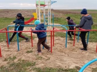 """У Володимирі презентували проєкт громадського бюджету """"Безпечне дозвілля – встановлення огорожі навколо дитячого майданчика"""""""