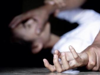 На Волині вітчим протягом 2 років ґвалтував неповнолітню падчерку
