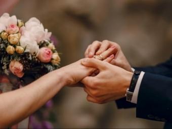 Скільки пар одружилися і розлучилися на Волині у 2020-му