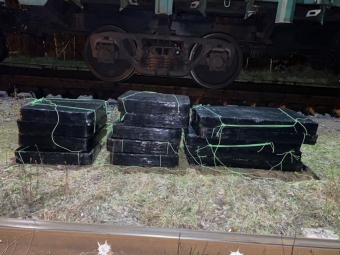 У ПП «Володимир-Волинський» в потязі знайшли 8 тис пачок цигарок з «маячком»
