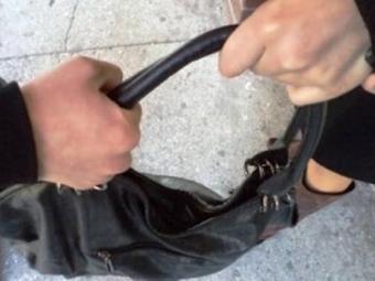 Затримали зловмисника, який вирвав сумочку з рук володимирчанки