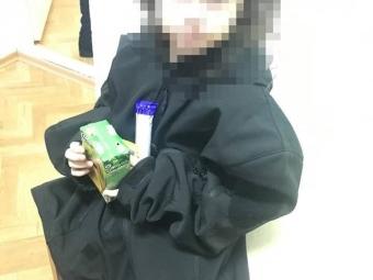 Чотирирічна дівчинка без верхнього одягу втекла з інтернату, аби знайти маму
