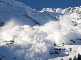У Карпатах утримується небезпека сходження лавин