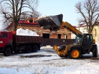 З площі Героїв у Володимирі вивезли сніг