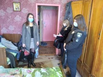 У Володимирі забрали дітей у матері, яка зловживала алкогоем
