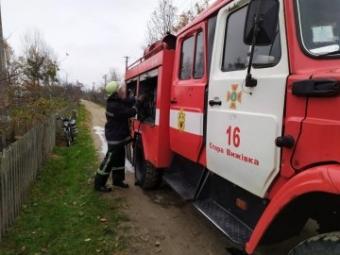 У селі Павлівка горів легковий автомобіль