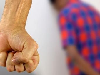 Мешканець Нововолинська споїв 14-річного підлітка та згвалтував його