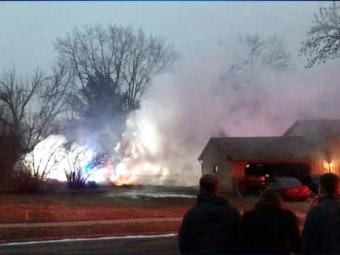 У США літак впав на житловий будинок є загиблі