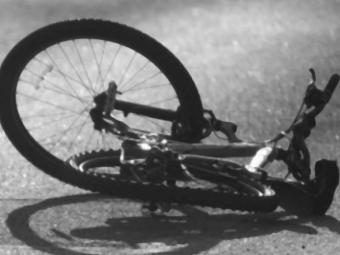 Біля Губина авто збило велосипедистку