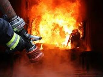 Через неправильне користування пічним опаленням у Іваничівському районі загорілась дерев'яна хата